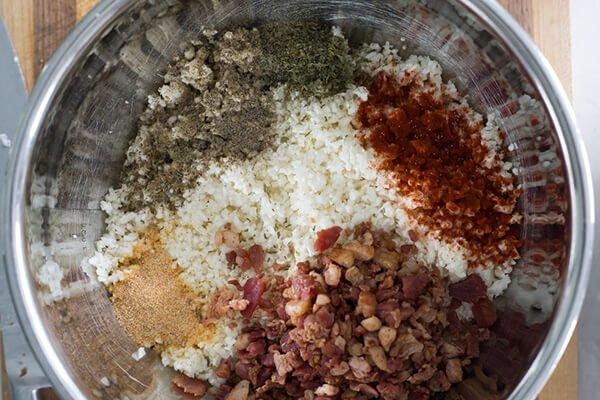 """Маффины с """"рисом"""" из цветной капусты и сыром"""