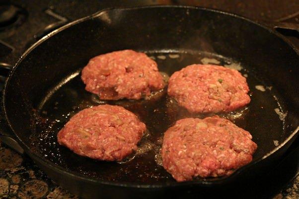 Кето-бургер с беконом