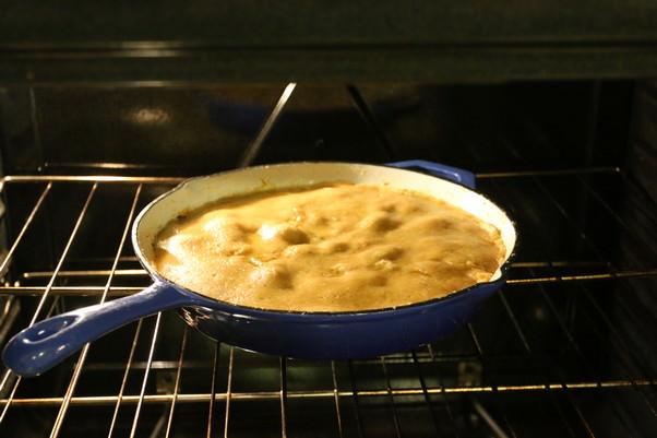 Сырный кето-пирог с курицей и беконом