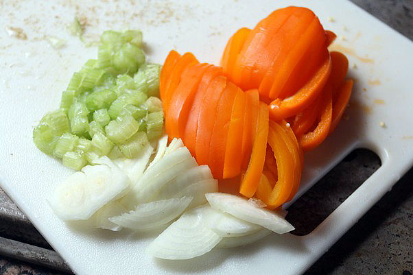Свиные отбивные с овощами