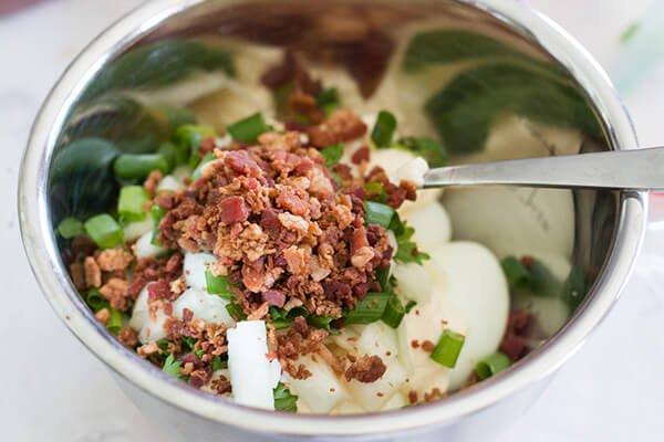 Салат с беконом и цветной капустой