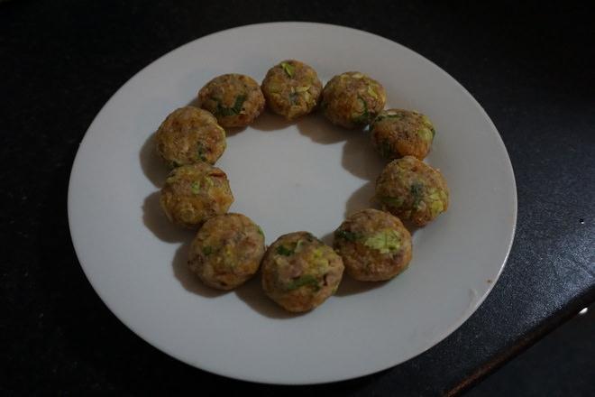 Пирожки из брюквы и цветной капусты