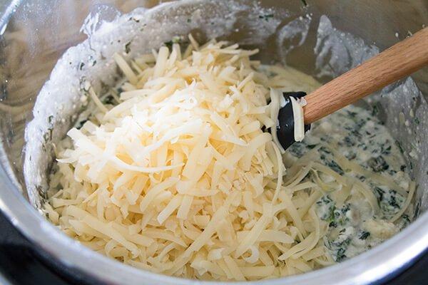 Сырный соус с артишоками