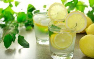 Преимущества лимонной воды на кето-диете