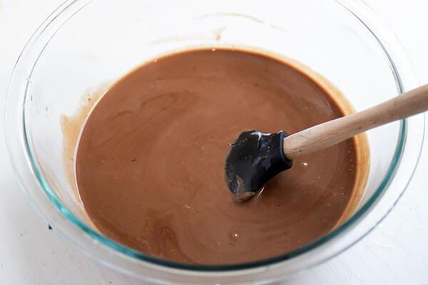 Нежный шоколадный пирог