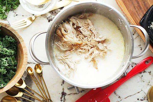 Суп Кордон блю с курицей и капустой