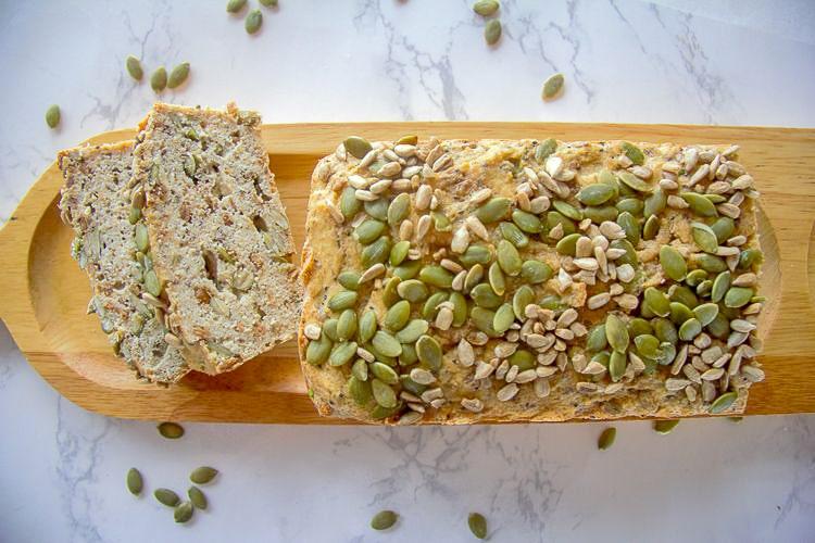 Низкоуглеводный хлеб с семечками