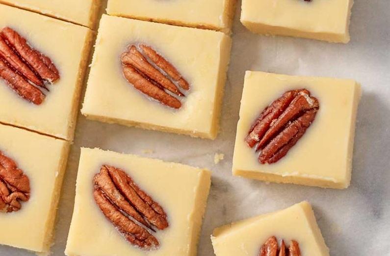 Кленовые жирные бомбы с орехами пекан