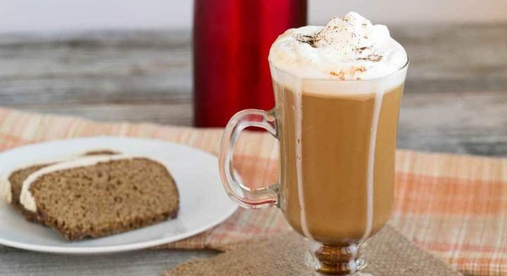 Пряный кофе со сливками
