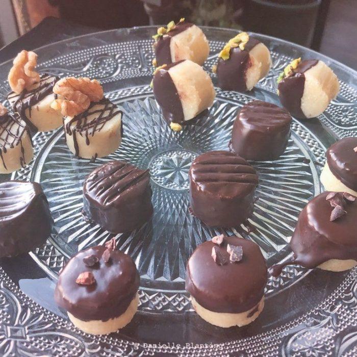 Марципановые конфеты с кокосом