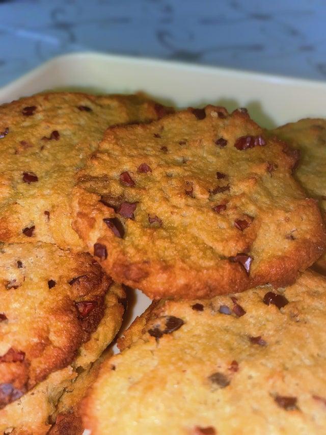 Миндально-кокосовое печенье с авокадо