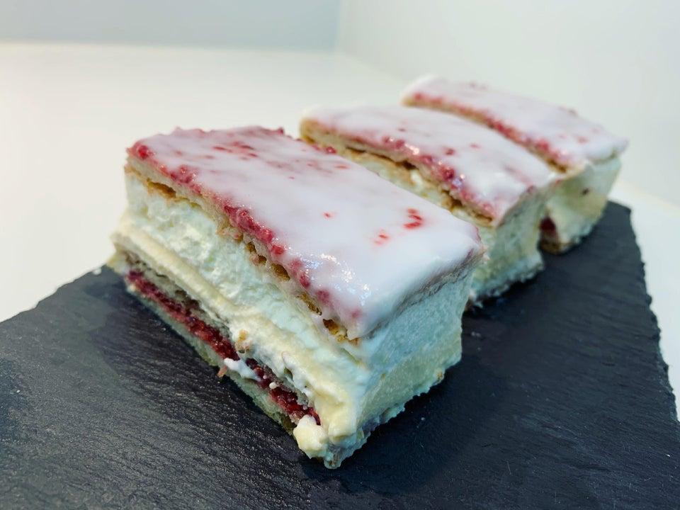 Кето-торт Наполеон с малиной