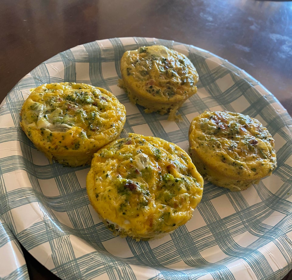 Запеченные кето-маффины с омлетом